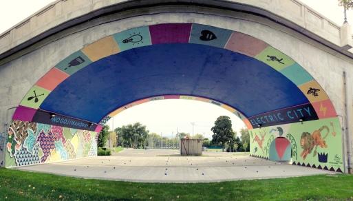 Hello-Kirsten-electric-city-mural